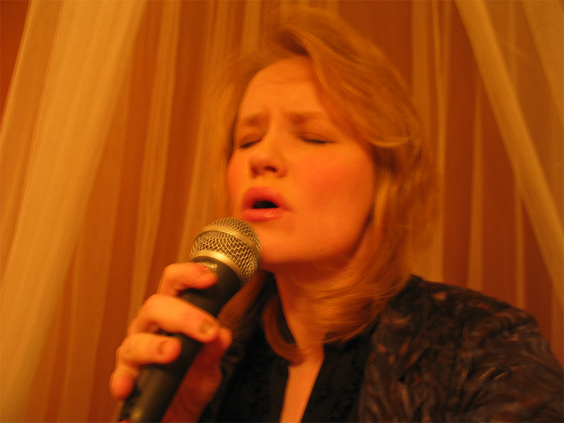 Tara Johnson singing